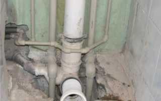 Течет стояк канализации: кто должен ремонтировать?