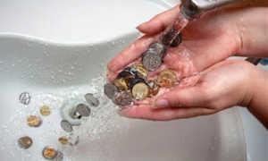 Горячая вода чуть теплая: куда жаловаться и что делать